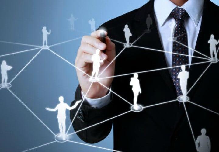 عواملی که در طراحی سایت سازمانی کمک میکند.